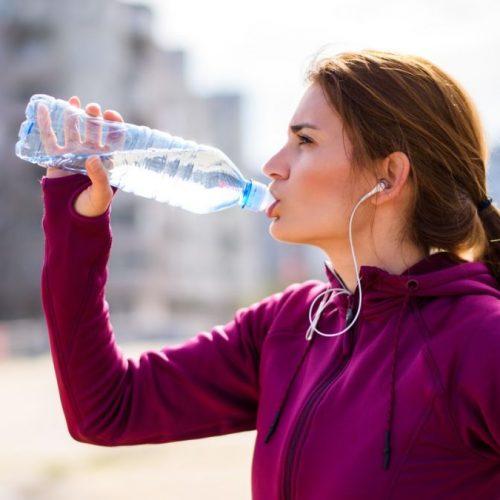 فواید نوشیدن آب معدنی